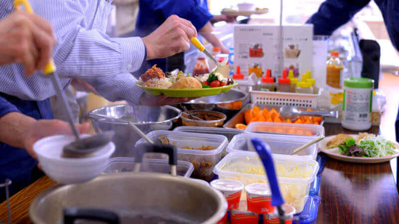 organic foods are served at our cafeteria, free of charge